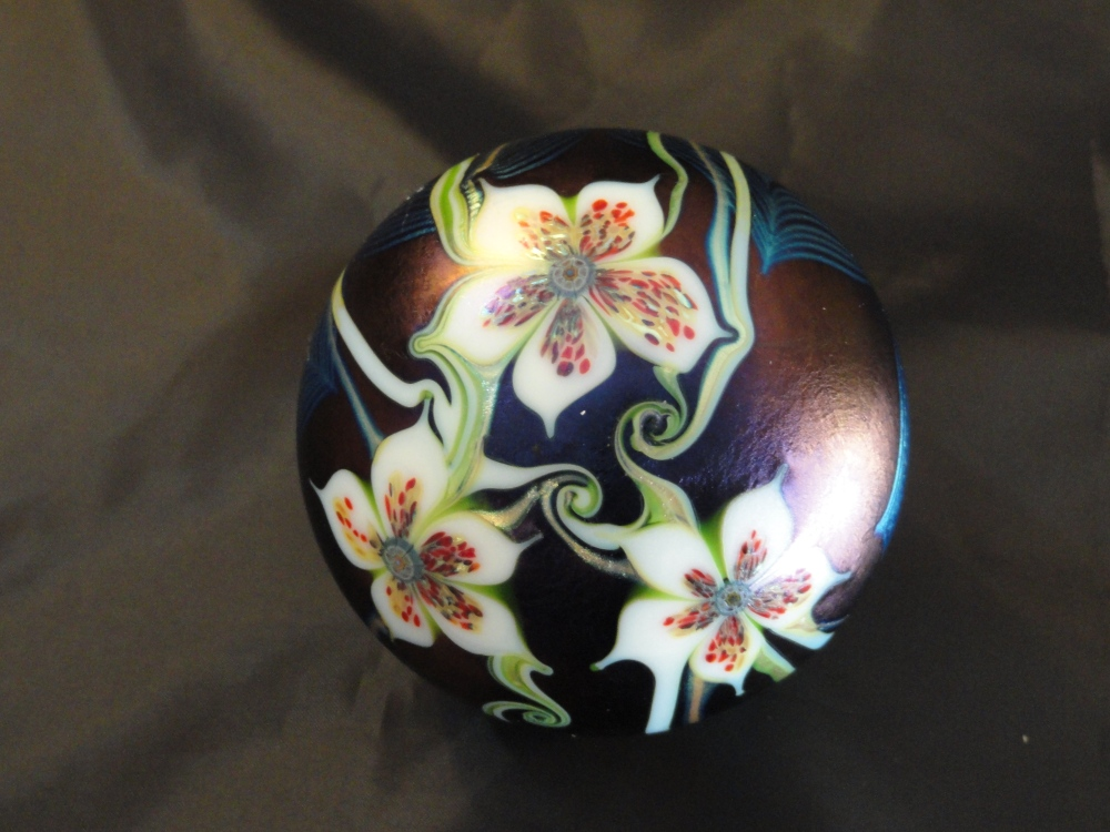 Paperweights - American Contemporary Artist - Orient & Flume (1/6)